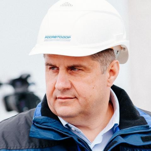 Роман Новиков